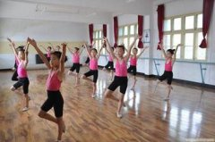 创业加盟:开舞蹈培训班需
