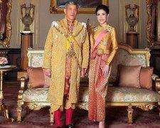泰国国王恢复诗妮娜王室头衔,诗妮娜洗心革面